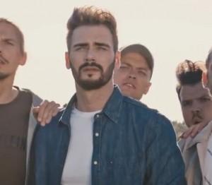 Uku Suviste from the musici video of 'Müüdud ja Pakitud'