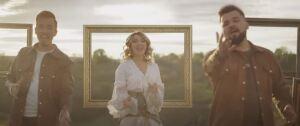 DoReDoS from the music video of 'Leagănul Dorului Meu'