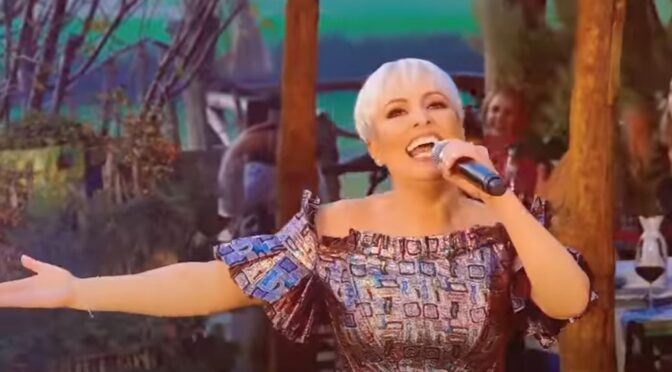 Juliana Pasha is back with 'Më e bukura mbi dhe!'