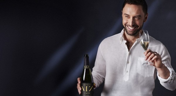 Måns Zelmerlöw launches his own wine – Cava: Hola MZ Cava
