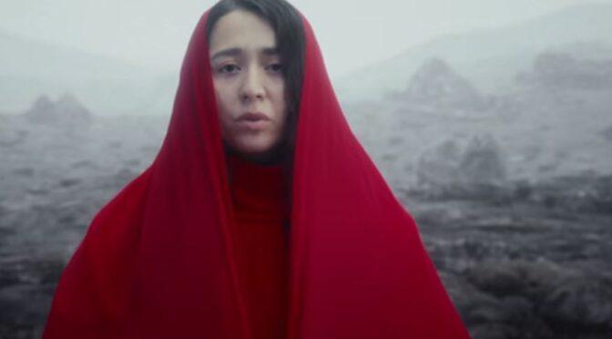 Manizha releases new song 'Derzhi Menya Zemlya'