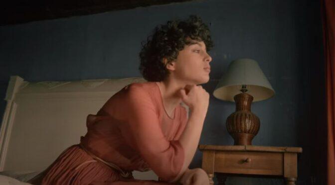 Barbara Pravi releases new song 'Le jour se lève'