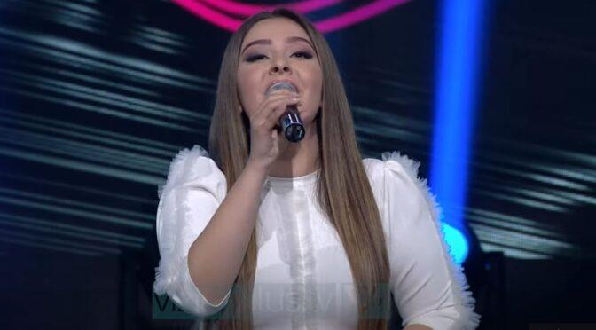 Mishela Rapo performs on special 'Kenge Moj' show on Vizion Plus tv in Albania