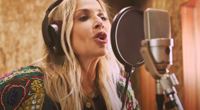 Anna Vissi releases 'Loulakí' song and music video