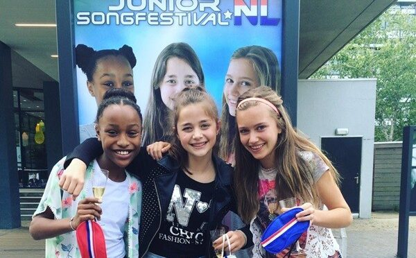 Blast from the past for STEFANIA with STERRE AND KYMORA from Junior Eurovision 2016