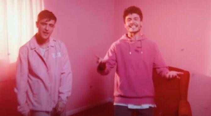 Manel Navarro & Miki Núñez team up with '¿Qué Tal?' single