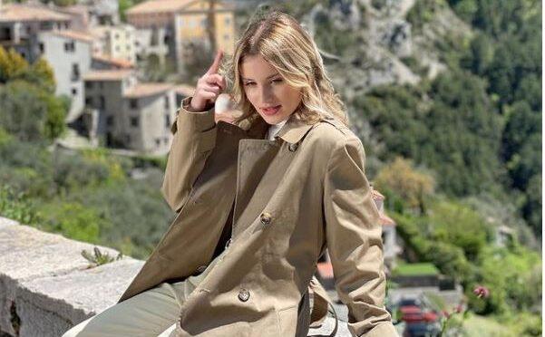 Carla released new single 'Alors chut'